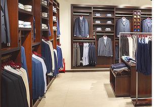 afd955faec16 Мы работаем на рынке мужской одежды уже около 20 лет. Первый наш магазин  мужской одежды «Сударь» открылся в городе Люберцы на Смирновской улице.